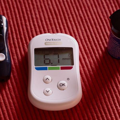 Jak radzić sobie z cukrzycą w codziennym życiu?